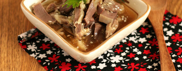 Куриные желудочки в остром соусе